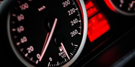 Monitor de velocidades automovil